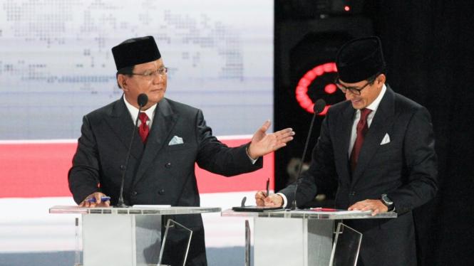 Pasangan nomor urut 02 Prabowo Subianto dan Sandiaga Uno  mengikuti debat kelima  Pilpres 2019 di Hotel Sultan, Jakarta, Sabtu, 13 April 2019.