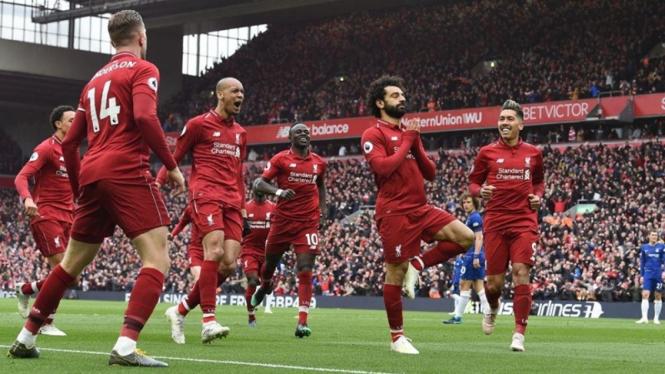Pemain Liverpool merayakan gol ke gawang Chelsea