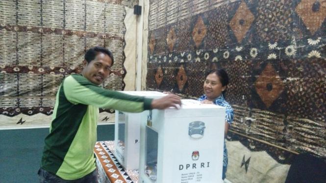 WNI di Fiji menggunakan hak suara Pemilu 2019