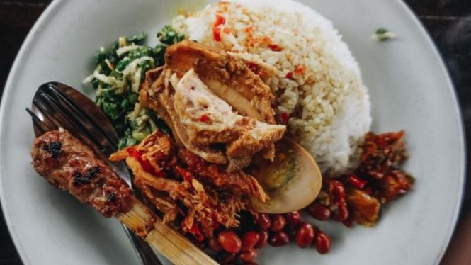 Nasi Ayam kedawetan