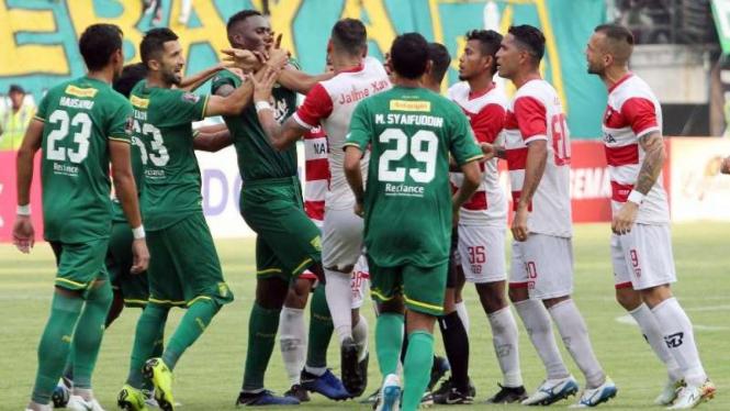 Laga semifinal Piala Presiden 2019 antara Persebaya Surabaya vs Madura United