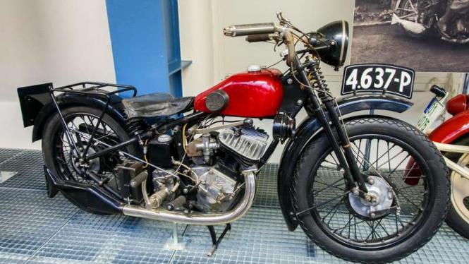 Sepeda motor Silkyr-Rott Satan