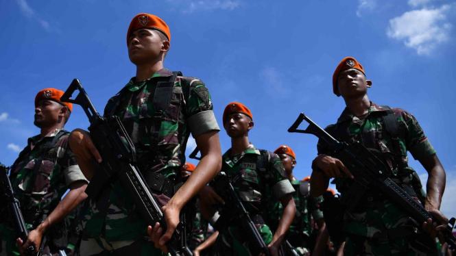 Prajurit Paskhas TNI AU mengikuti Apel Patroli Skala Besar TNI-Polri di JIExpo, Kemayoran, Jakarta Pusat
