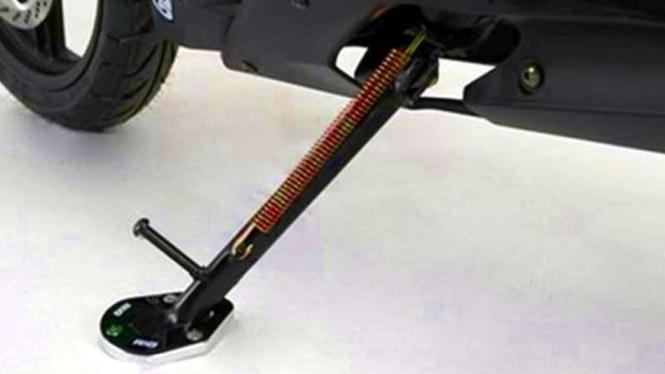 Ilustrasi standar samping sepeda motor