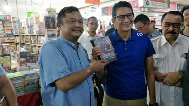 Sandiaga Uno hadiri peluncuran buku tentang dirinya di Blok M, Jakarta.