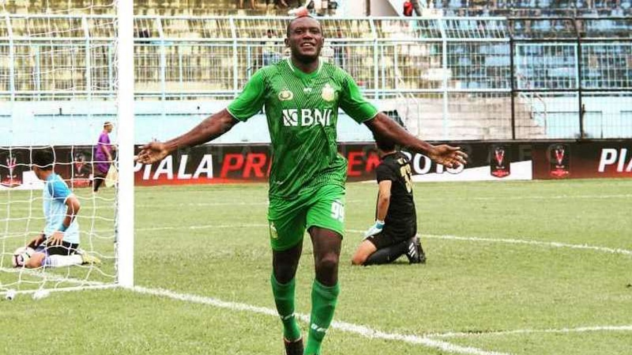 Penyerang Bhayangkara FC, Herman Dzumafo