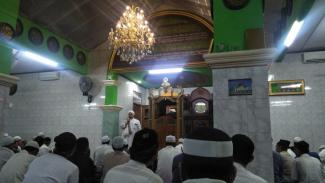 Ceramah di dalam masjid