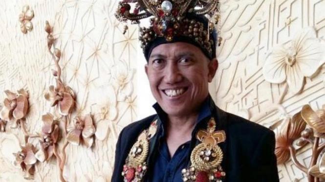 Mendiang Dynand Fariz, Presiden Jember Fashion Carnival.