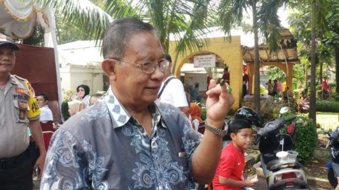 Menko Darmin Nasution.