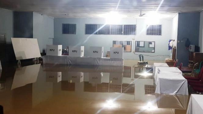 TPS di Jambi yang terendam banjir