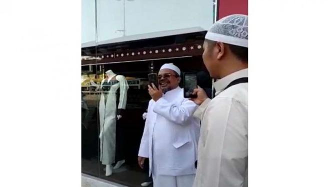 Imam Front Pembela Islam (FPI) Rizieq Shihab memberi ucapan selamat ke Prabowo