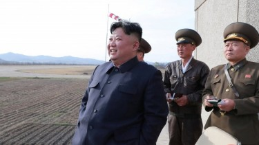https://thumb.viva.co.id/media/frontend/thumbs3/2019/04/18/5cb7e184bfed6-korea-utara-klaim-uji-coba-senjata-baru_375_211.jpg