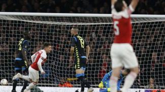 Duel Arsenal vs Napoli di Liga Europa.