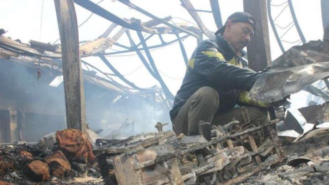 Kebakaran Pasar Lawang, Kabupaten Malang, Kamis, 18 April 2019.