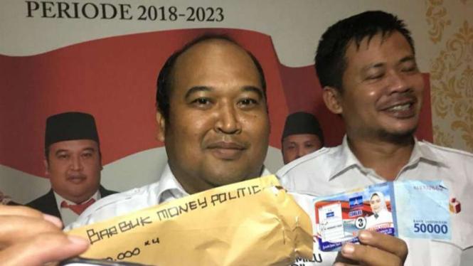 Bawaslu Kota Tangerang Selatan menggelar keterangan pers terkait politik uang.