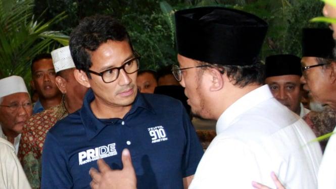 Sandiaga Uno saat mendampingi Prabowo mendeklarasikan kemenangan.