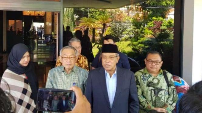 Ketua Umum PBNU, Said Aqil Siradj (dua dari kanan).