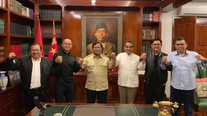 Sekjen partai koalisi Indonesia Adil Makmur bertemu Prabowo Subianto.