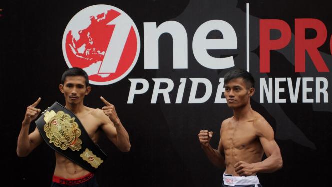 Timbang Badan One Pride Fight Night 28, Ade Permana dan  Alin Anggrianto
