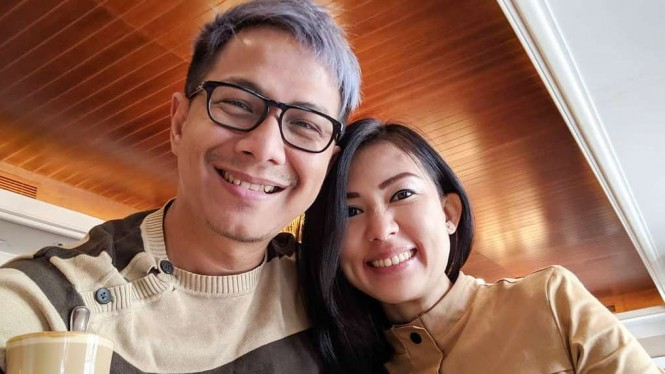 Delon Thamrin bersama pacarnya, Aida Noplie Chandra