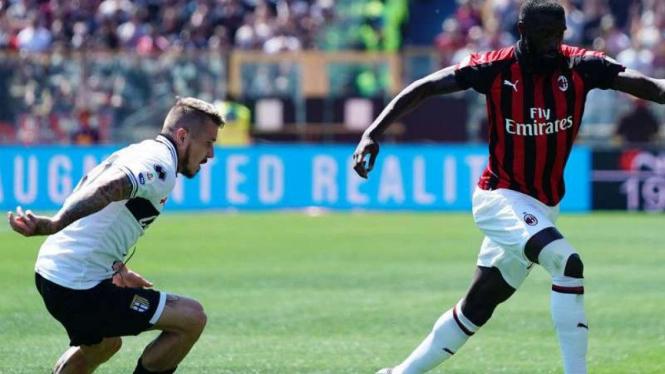 Duel Parma vs AC Milan.