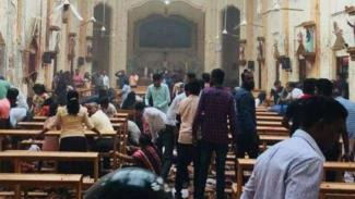 https://thumb.viva.co.id/media/frontend/thumbs3/2019/04/21/5cbc02e53b44c-ledakan-di-gereja-di-srilanka-saat-paskah-2019-49-orang-tewas_325_183.JPG