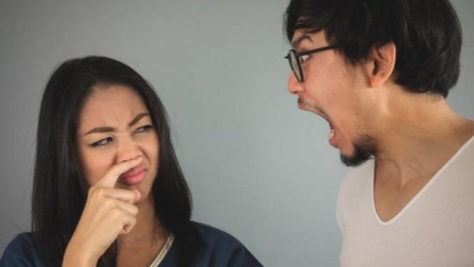 Ilustrasi bau mulut.