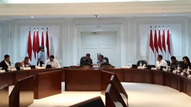 Presiden Joko Widodo menggelar ratas di Jakarta, Senin, 22 April 2019.
