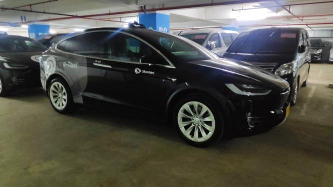Pantas Saja Harga Mobil Tesla Di Indonesia Mahal