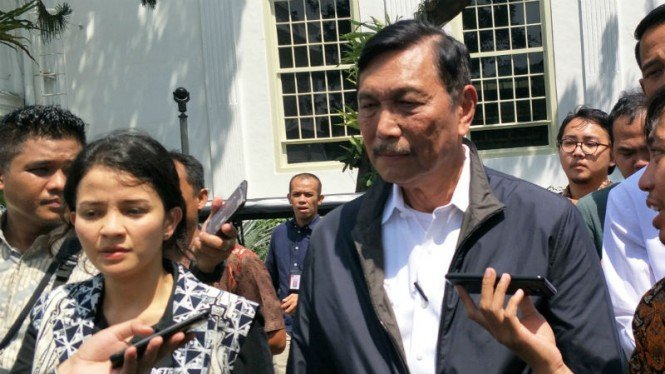 Menteri Koordinator Bidang Kemaritiman Luhut Binsar Panjaitan di Istana Negara