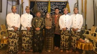 Ivan Gunawan dan Cowok-Cowok Halu bertemu Sultan Keraton Kesepuhan Cirebon