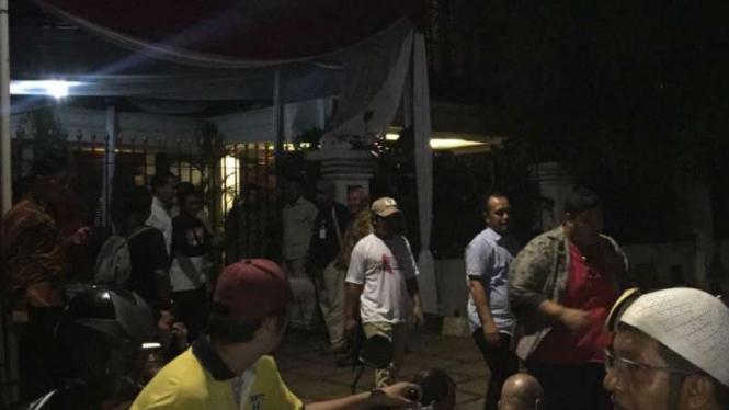 Kondisi di depan kediaman Prabowo Subianto di Kertanegara, Jakarta