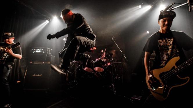 Aksi panggung grup Seringai dalam Everloud Festival 3 di Tokyo Jepang