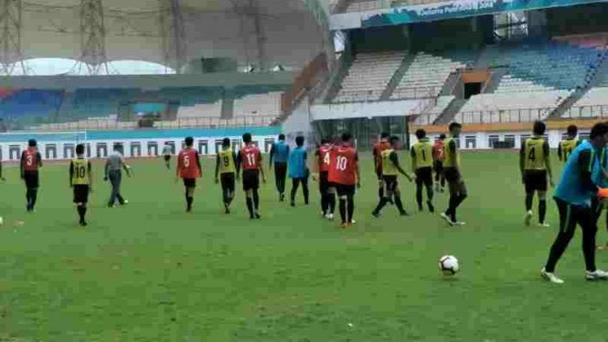 Seleksi Timnas Indonesia U-19 di Stadion Wibawa Mukti, Cikarang.