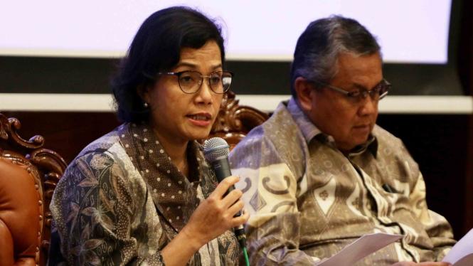 Menteri Keuangan, Sri Mulyani Indrawati (kiri).