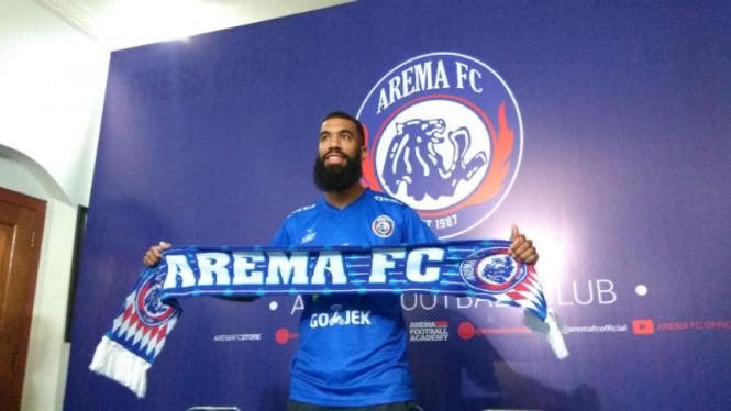 Striker anyar Arema FC, Sylvano Comvalius