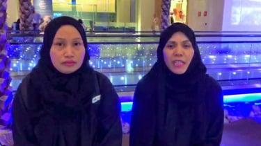 https://thumb.viva.co.id/media/frontend/thumbs3/2019/04/25/5cc0edb004a52-dua-tki-di-arab-saudi-sumartini-dan-warnah-yang-dihukum-mati-dalam-kasus-sihir-berhasil-dibebaskan_375_211.jpg