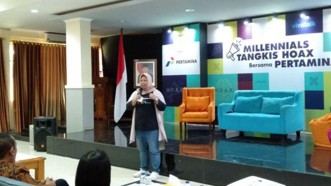 Wakil Pemimpin Redaksi VIVA.co.id, Umi Kalsum di kampus Politeknik Negeri Jakarta.