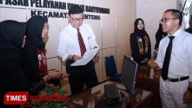 https://thumb.viva.co.id/media/frontend/thumbs3/2019/04/25/5cc1d3afbec81-mendagri-resmikan-pasar-pelayanan-publik-pertama-di-indonesia_375_211.jpg