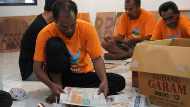 Orang dengan Gangguan Jiwa sedang melakukan kegiatan di Rumah Berdaya Denpasar
