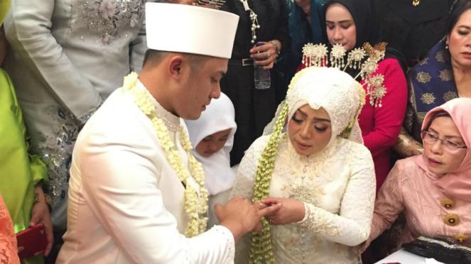 Muzdalifah menikah lagi.