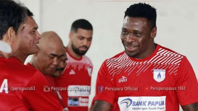 Godstime Ouseloka menjalani trial bersama Persipura Jayapura.