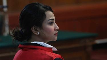 Terdakwa kasus dugaan penyebaran konten asusila Vanessa Angel menjalani sidang perdana di Pengadilan Negeri (PN) Surabaya, Jawa Timur