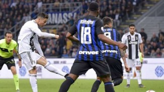 Pertandingan Serie A 2018/2019 antara Inter Milan melawan Juventus