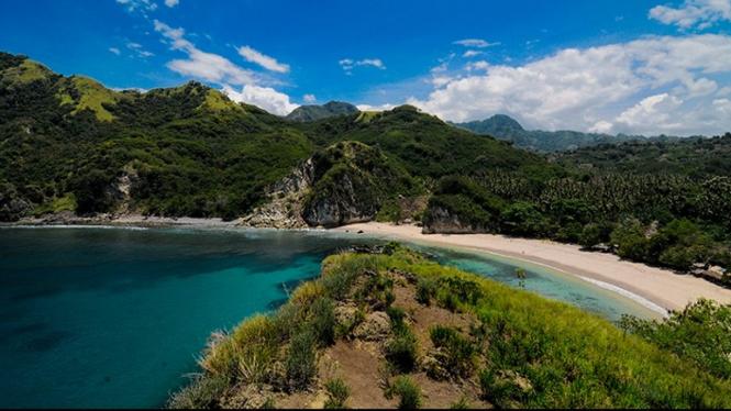 Keindahan alam Pantai Koka