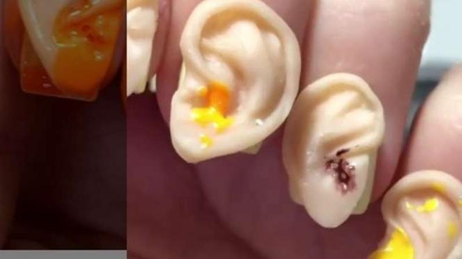 Nail Art telinga