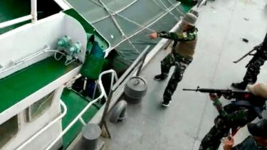 https://thumb.viva.co.id/media/frontend/thumbs3/2019/04/30/5cc77e9ee9249-kapal-ilegal-vietnam-akan-ditenggelamkan-di-tengah-meningkatnya-komentar-anti-indonesia-di-media-sosial-negara-itu_375_211.jpg