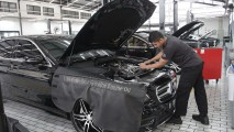 https://thumb.viva.co.id/media/frontend/thumbs3/2019/04/30/5cc80df026fe8-amg-performance-center-dibuka-di-indonesia_213_120.jpg