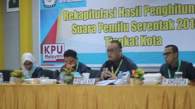 Rekapitulasi KPU suara Pilpres di Palembang.