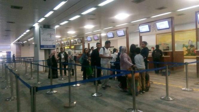 Counter Chek In di Terminal LCC di Bandara Soekarno Hatta.